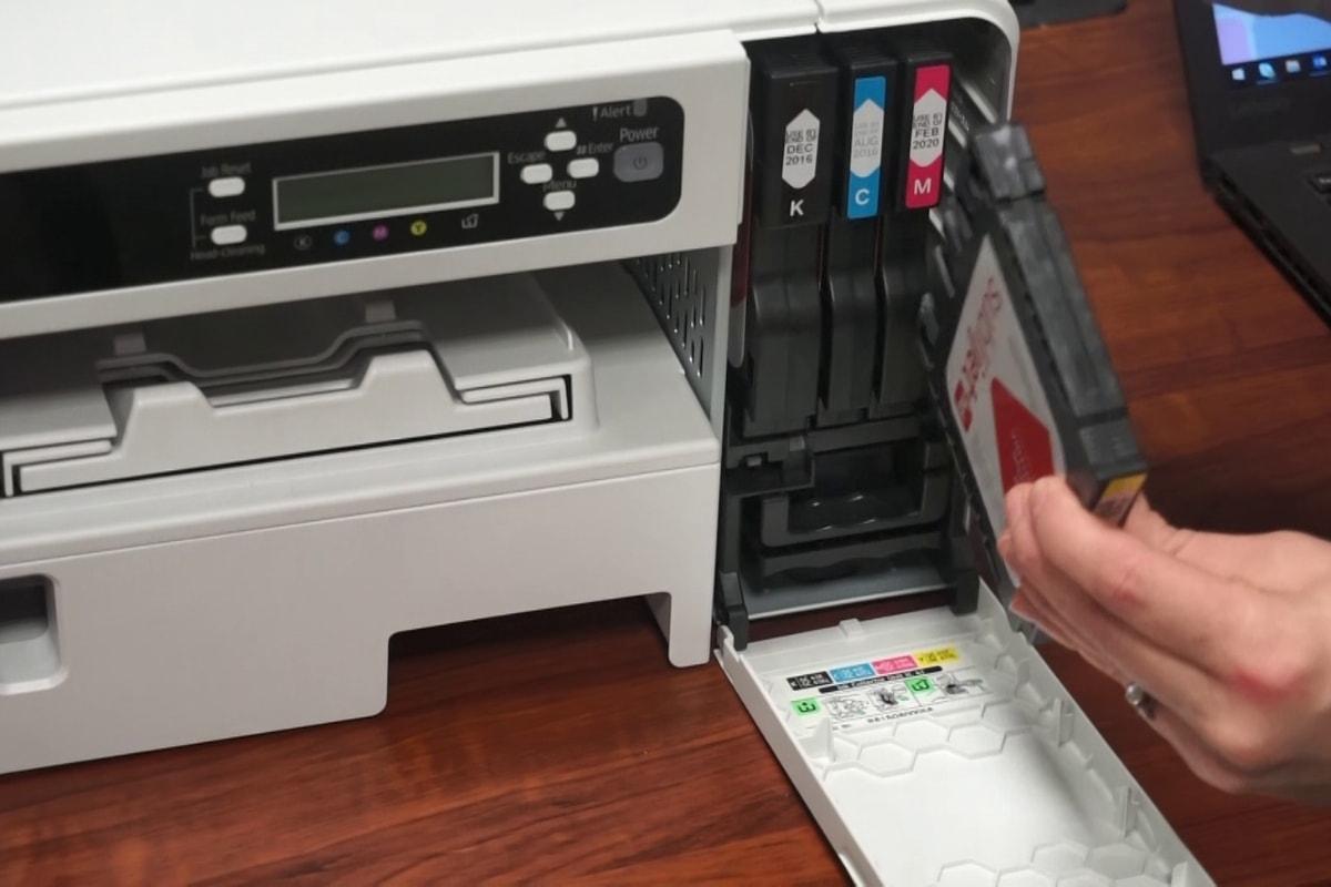 Installing Ink in SG400 SG800 Printer | Coastal Business